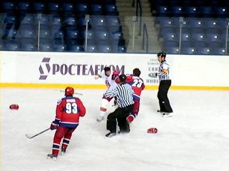 ВИТЯЗЬ 2 - ЦСКА 2 (28 февраля 2008г.) Драка (М. Епрев)